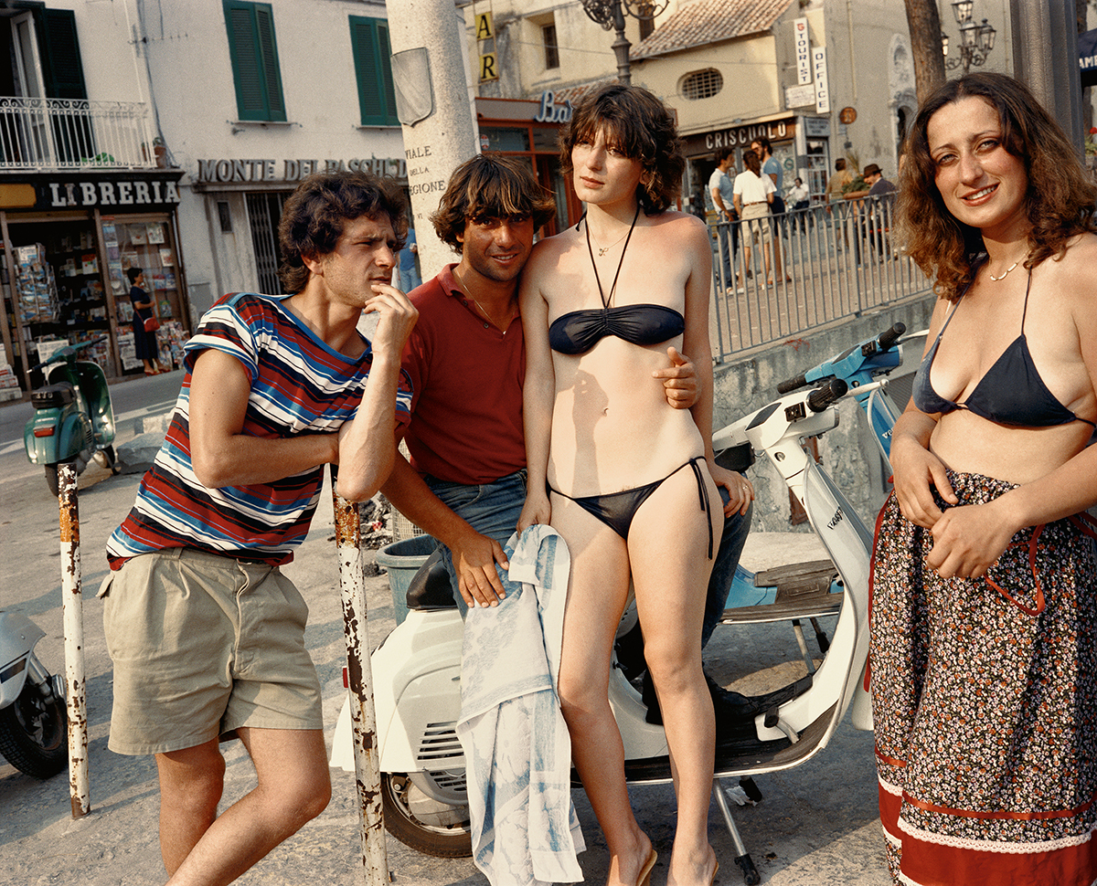 PG 8 woman on vespa cover image Amalfi 82 Dolce_Via_9